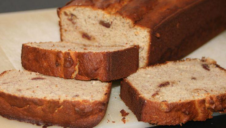 Bananenbrood recept! Dat brood slecht is weten we inmiddels wel. Maar wat moet je dan wel eten? Probeer dit paleo bananenbrood eens!
