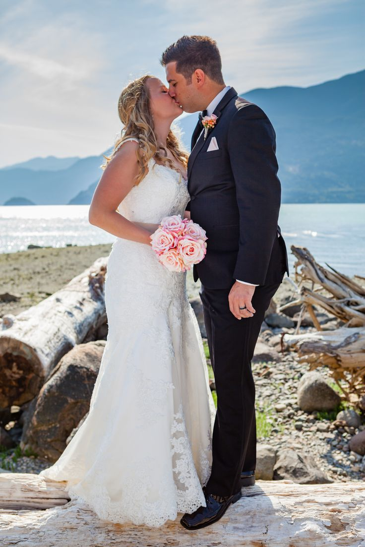 Summer wedding. Sea to Sky Highway. Squamish Wedding. Wedding photos. Bride and Groom. Bouquet. Grooms Tux. Ocean View.