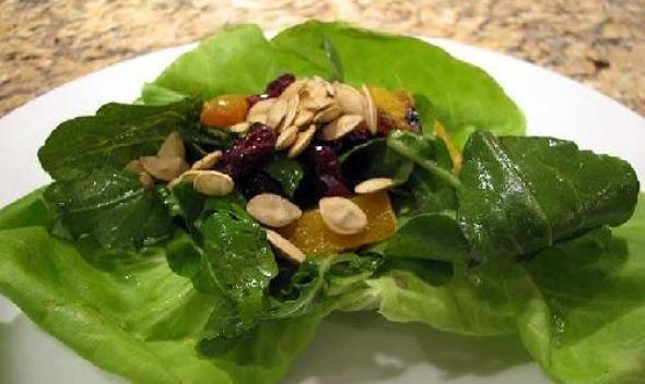 Салат из тыквы и клюквы
