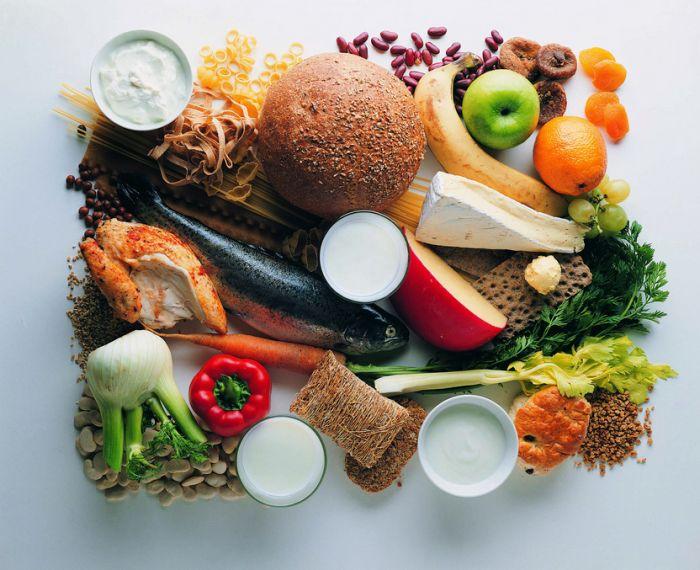 Karena memang jantung sangat penting untuk dijaga, maka dari itu kamu harus menjaganya dengan baik. Caranya dengan konsumsi makanan yang dapat menyehatkan jantung dengan baik. Makanan apa saja? Simak berikut makanan yang sehat bagi jantung.