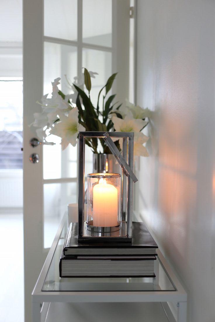 Homevialaura | living room | Ikea Vittsjö table | Georg Jensen Cafu vase | double doors | coffee table books