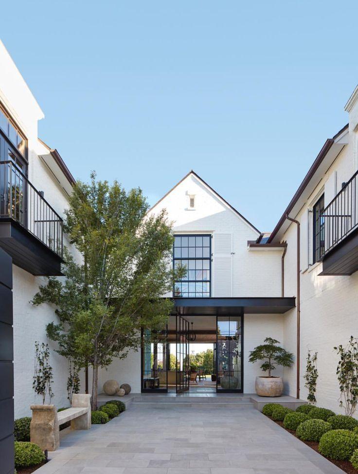 Schöner Eingang .. liebe die Glastür !! #tore #homedecor #home #walks #trancedesign #modern