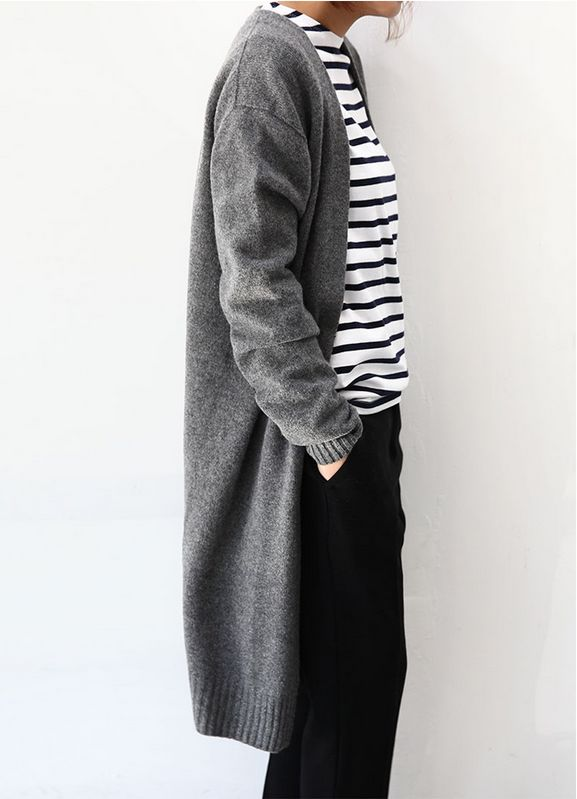 Great comfy fall outfit, loose great cardigan, stripes sweater and black trousers.