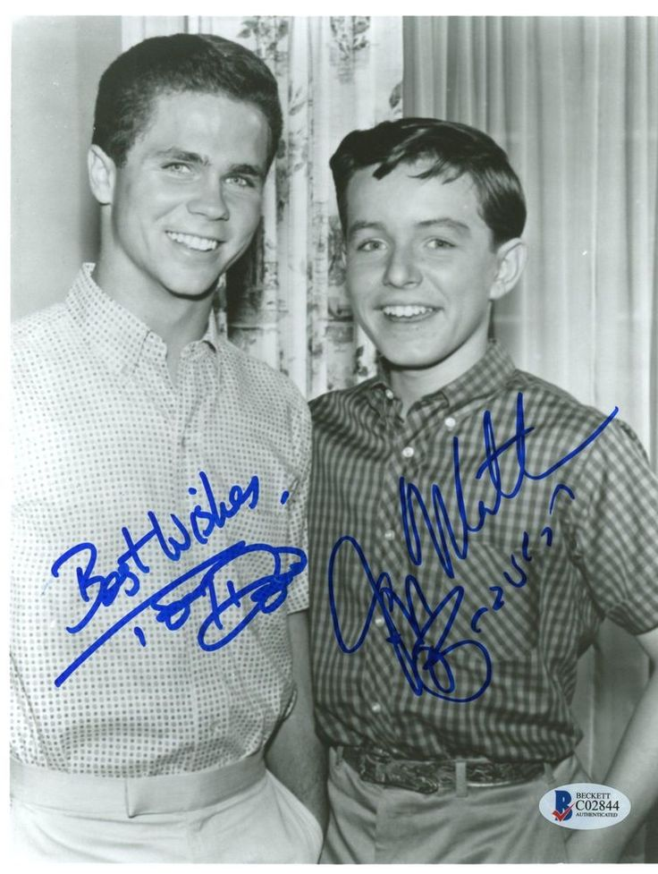 """Jerry Mathers & Tony Dow Autographed 8""""x 10"""" Leave it to Beaver Item#7299837 #LeaveItToBeaver"""