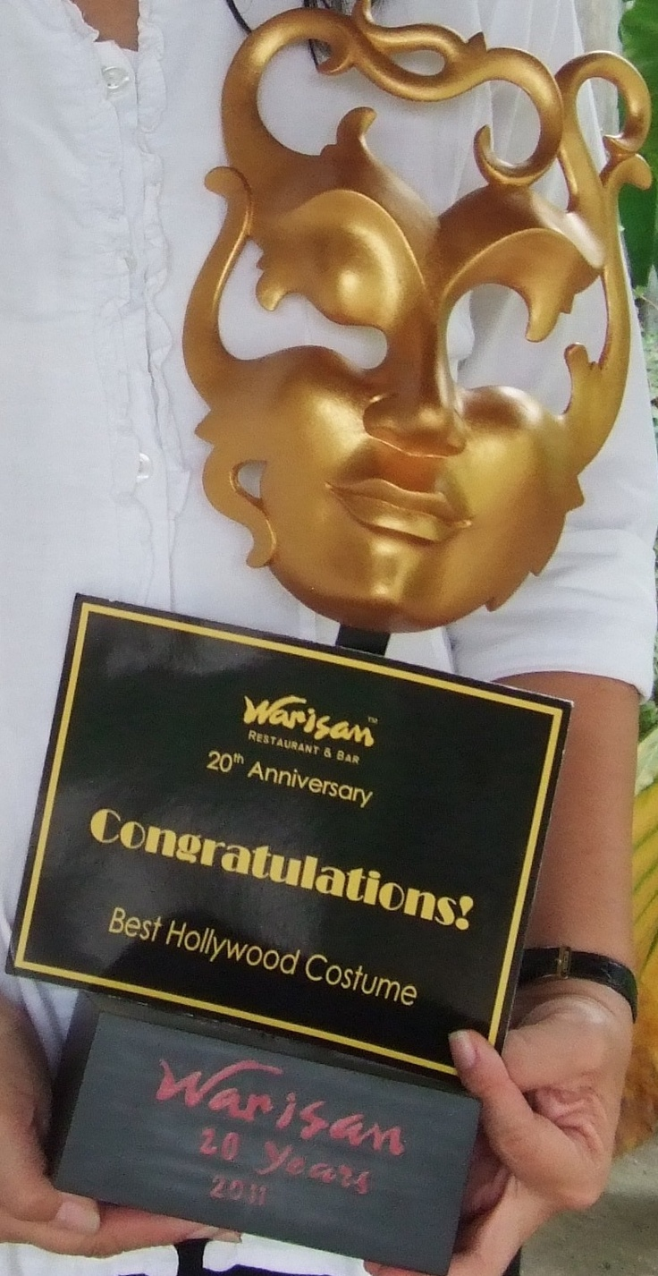 The Best Hollywood Costume during Warisan's 20th Anniversary Costume. Guess who was I?