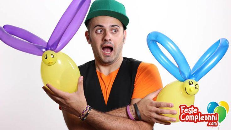 Balloon art, How to make a bee balloon. Palloncini modellabili istruzioni. Costruiamo insieme con i palloncini modellabili, divertiamoci a realizzare insieme l'Ape Mangiona! L'ape Mangiona, grazie all' uso di 2 palloncini colorati, è uno degli animaletti più facili da realizzare perchè richiede solo due torsioni.