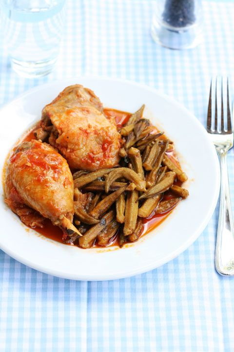 με μπάμιες ~ chicken stew with okra and tomatoes