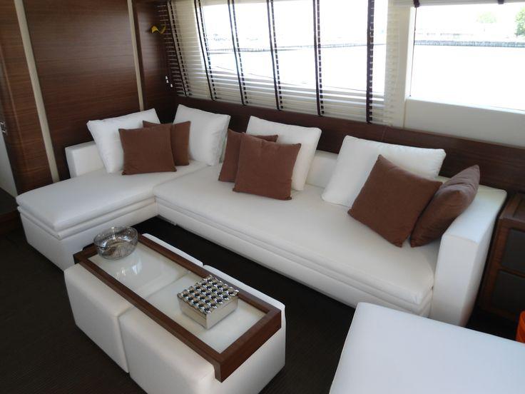 Realizzazione divano su misura  per imbarcazione da Arredamenti Carbone Chiavari