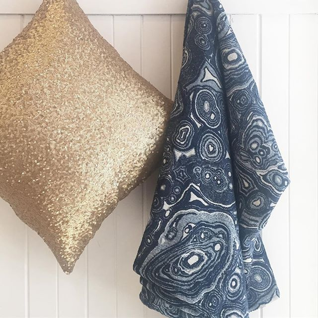 Fell in love with this inky, marbled throw last week @culttraders absolute stunner.  Limited stock so be quick!  For more details 📞 link in bio Summer: inky blues + green. #ink #indigo #throws #marbled #decor #thebedspreadshop