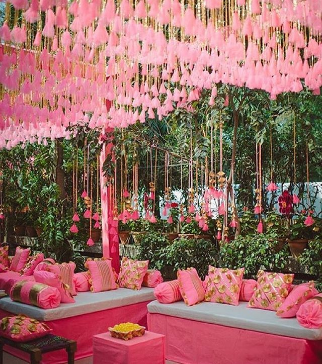 Stunning stuff...by @ranipinklove #floraldesign #decor #weddingdecor…