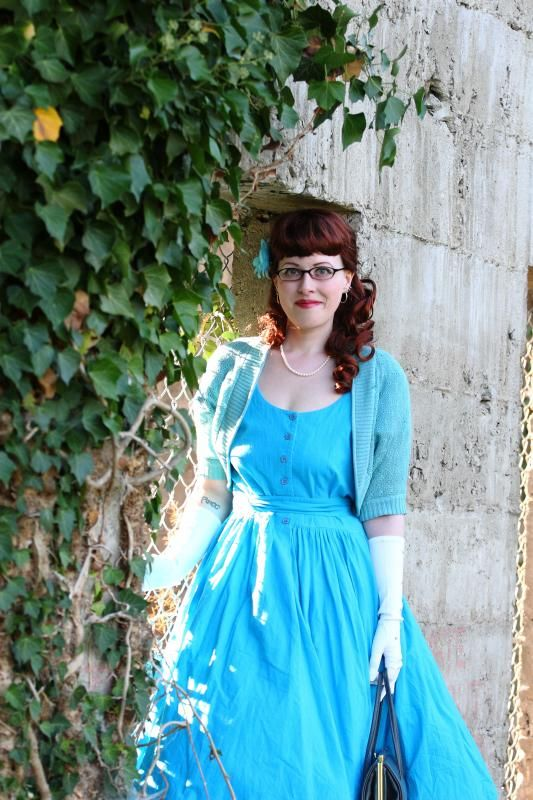 A beautiful rainbow crinoline from Pettiskirt Style, my blue birthday dress, and the remains of an Edwardian hotel | Chronically Vintage #vintage #1950s #party #prom #crinoline #dress #hair