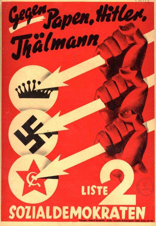 Mit diesem Plakat tritt die SPD zur Reichstagswahl 1932 an, der letzten vor der Machtergreifung Adolf Hitlers. Die Pfeile gelten den Parteien, die damals die Demokratie gefährdeten: Monarchisten unter Reichskanzler Franz von Papen, die Nationalsozialisten von Hitler und die Kommunisten unter Ernst Thälmann.   © AdsD der Friedrich-Ebert-Stiftung --- more here: http://www.zeit.de/politik/deutschland/2013-05/fs-spd-150-jahre-plakate-2