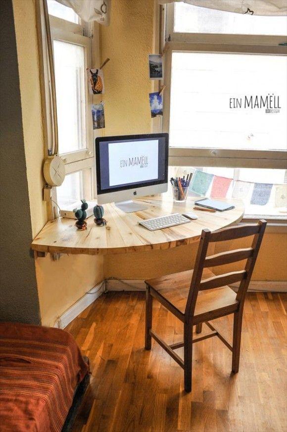 DIY Pallet Wood Corner Computer Desk | 101 Pallets