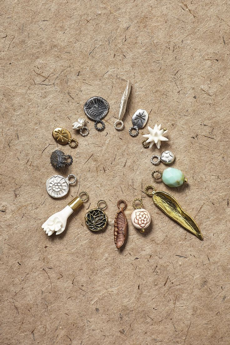 A new collection of fine jewellery with interchangeable charms; the Relics. Each Relic has its own extraordinary meaning and symbolism, allowing you to personally style the earrings, bracelets and necklaces.