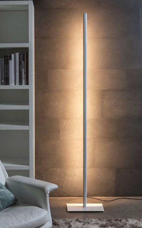 Lineal, lámpara pie de luz directa e indirecta de #Carpyen