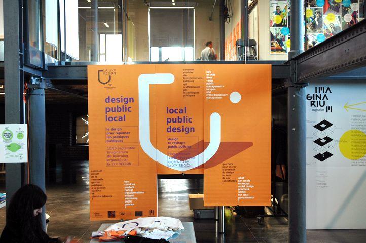 Design Public Local, séminaire de La 27e Région, 19 et 20 septembre 2012 à l'Imaginarium, Tourcoing. Identité visuelle, programme, annuaire, signalétique, slideshow, sacs en tissu, badges. © Léa Forch & Nicolas Couturier.