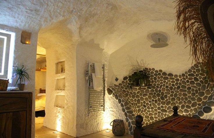 Aménagement intérieur de la grotte