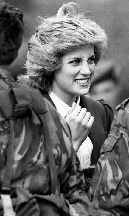 .Princess Diana .ღ. her expression.