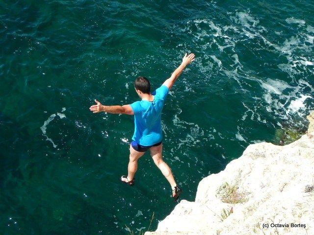 Cliff-jumping Tyulenovo, Bulgaria