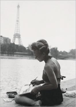 Juin 1949, Paris, Tour Eiffel, jeune femme peintre sur les quais de Seine