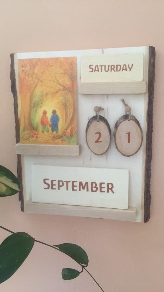Neat changeable seasonally appropriate calendar