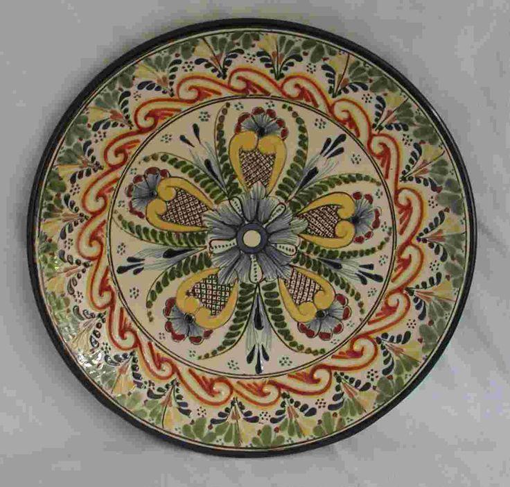 Plato de cerámica mexicana. Talavera