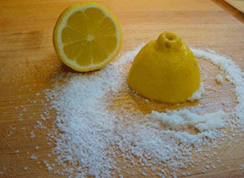 Koti puhtaaksi sitruunalla