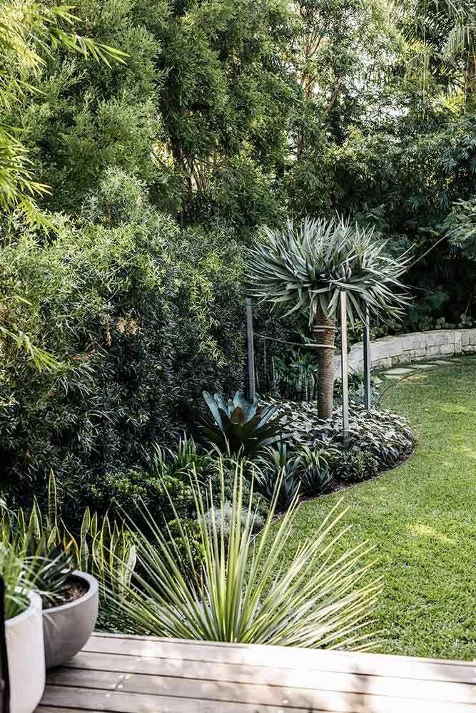 Rock Solid Advice On How To Spruce Up Your Landscaping With Images Garden Landscape Design Landscape Design