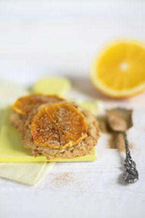 Orangen-Cookies mit Pinienkernen