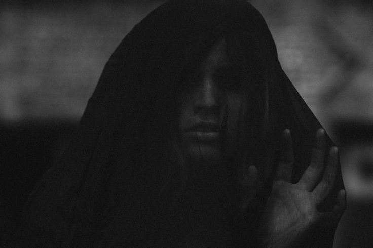 Jeremy Cowart.Gothic Sci Fi, Fi Inspiration Mood, Shoots Gothic Sci, Photos Shoots, Image Inspiration, Inspiration Mood Boards, Moody Photos, Environmental Portraiture, Photography Inspiration