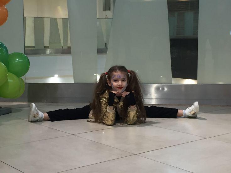 #dancer #amicii #fun #play #music #dance #show #sarah #sarahfashionablekids