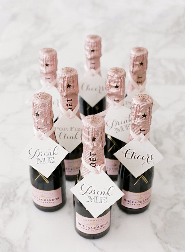 Your guests will totally obsess over these mini-champagne wedding favors! Perfect for your besties <3