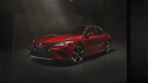 Седан Toyota Camry 2018 / Тойота Камри 2018