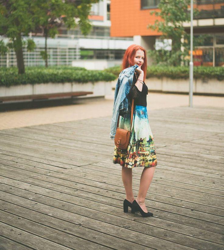 Lovely skirt & new post on blog ;) photo by @reingraberova #dnesnosim #zaful #lookbook #trendbooksk #fashion #fashionblogger #slovakblogger #outfit #blogerka #blogerkyczsk #modaulic #deichmann #skirt by @zaful #fall🍁 #lovelyshoes #printedskirt #blackbody #via @zoot_sk #denimjacket #handbage is #secondhand #redhair #longhair