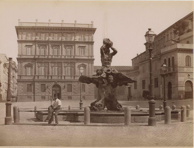 Fontana di Tritone Vintage Albumen print, Italy Tirage albuminé 21x27 Circa 1870