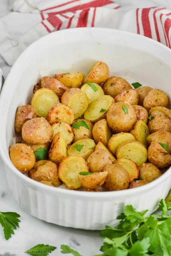 This Roasted Baby Potatoes Recipe Makes Such An Easy And Delicious Side Dish It Is Five Ingredients Baby Potato Recipes Potato Recipes Roasted Baby Potatoes
