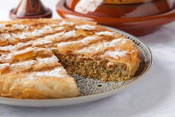 Ons recept van de dag: Pastilla met kip. Op Bladna.nl kan je uiteraard nog veel meer leuke Marokkaanse recepten vinden.