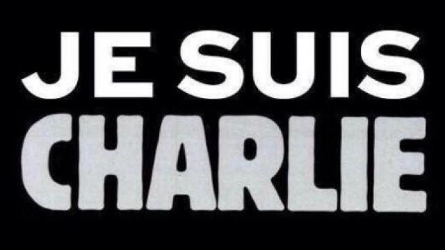 #jesuischarlie #charliehebdo : des milliers d'internautes expriment sur les réseaux sociaux leur solidarité avec les victimes de l'attentat meurtrier qui a visé Charlie Hebdo.