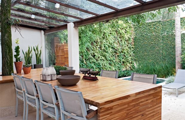 Pérgola e vidro. www.casaecia.arq.br  Cursos on line - Design de Interiores e Paisagismo.