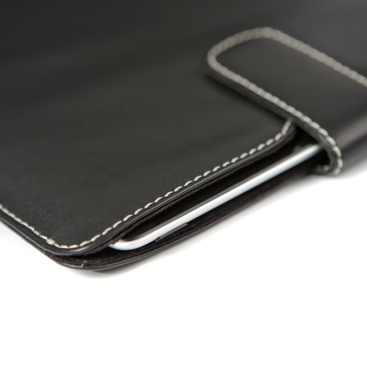 Smooth and elegant cover for iPad 2 by dbramante1928. See much more of our product range here: http://www.dbramante1928.com