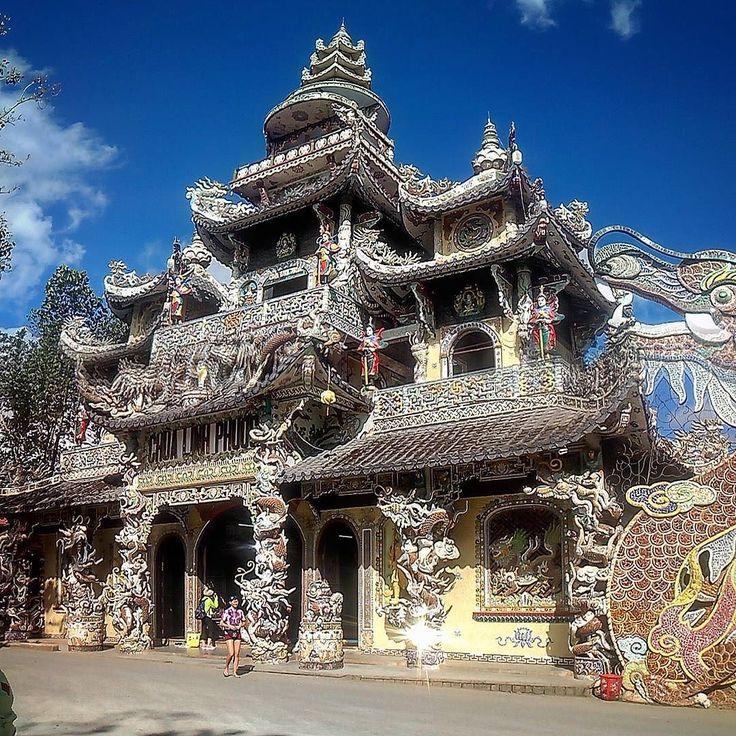 #что_там #what_is_there 105 день в пути linh phuoc pagoda #вьетнам #звезда #горы #далат #путешествие #рикша #кофе #чай #путь #дорога #прогулка #hiking  #vietnam #star #rikshaw #traveling #trip #way  #mauntains #da_lat