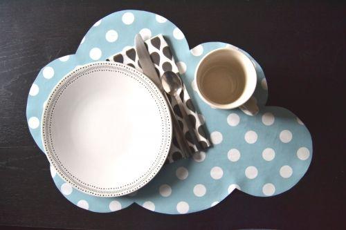 diy, tuto, set de table, toile cirée, nuage, pois, bleu, petit déjeuner, facile, repas, table, set, ciel, bonne humeur