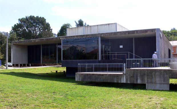 Centro de Saúde en Cotobade   Enrique Rodríguez   Cotobade (2007)