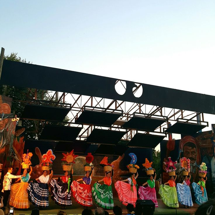 Baile Folklorico de Oaxaca en Austin! They do all the dances!