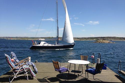 http://kobbaroskar.com/ Fiskarstuga med egen sjöbod och brygga, uthyres.