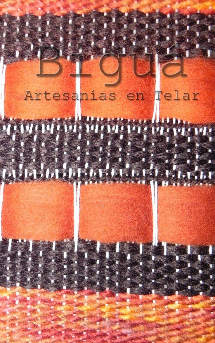 Una mirada de cerca, para preciar mejor la confección del tapiz. Realizado con Telar María