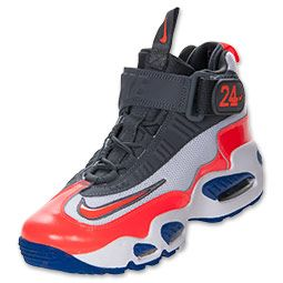 Designed for versatility in sport, the Nike Air Griffey Max 1 Boys' Shoes gives him athletic appeal with color-blocked synthetic leather and visible Max Air cushioning that keeps it lightweight and comfortable. Lugs on the bottom take on any surface, and