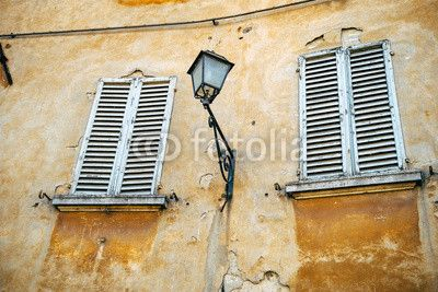Antiche finestre - Toscana Wall Decal