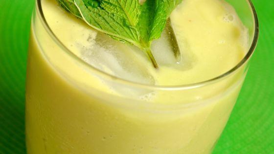 Zelené smoothie s avokádom a jablkami