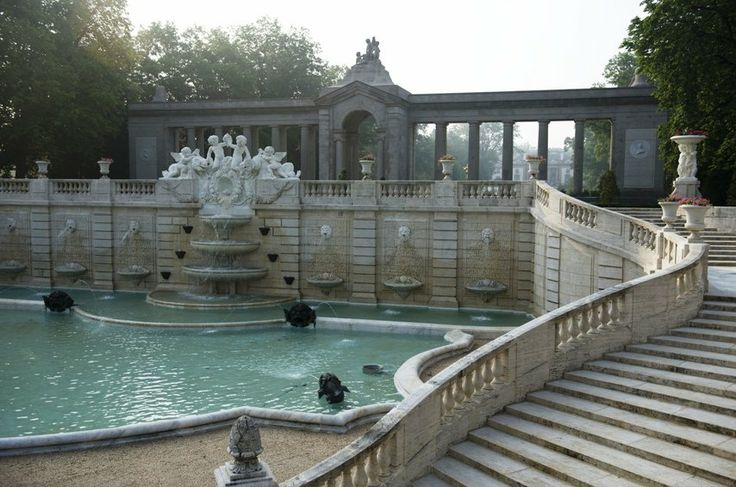 Nemours Mansion and Gardens.... Nemours mansion